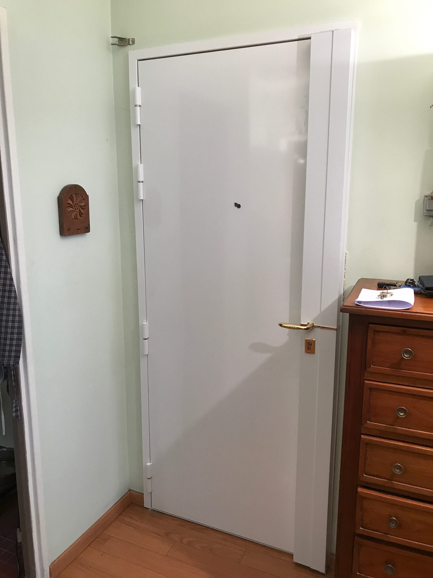 blindage de porte avec serrure fichet alicea s domoowe. Black Bedroom Furniture Sets. Home Design Ideas