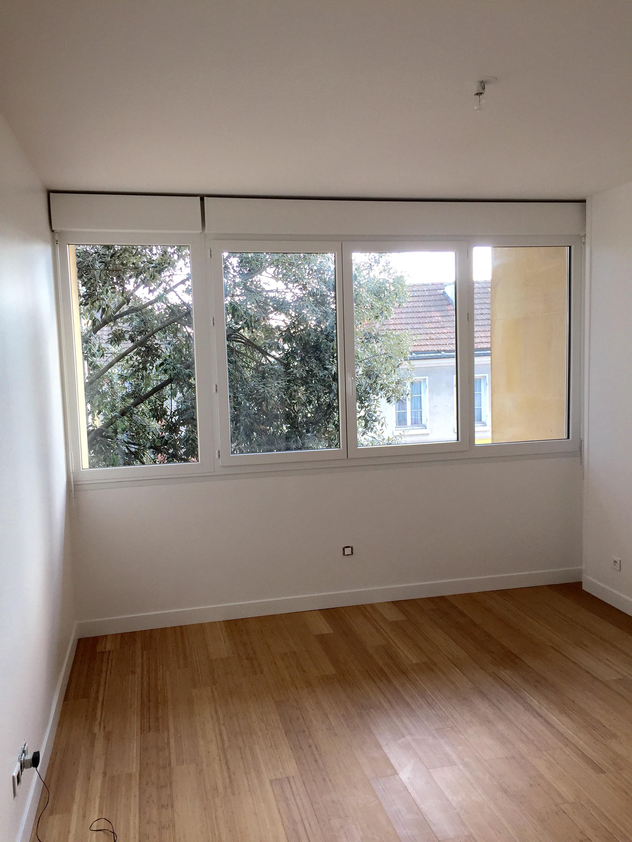 Fenêtre PVC avec volet roulant intégré FenêtréA