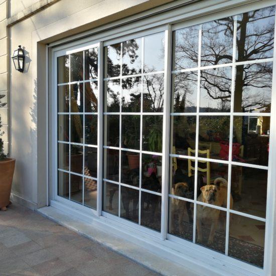Fenêtre coulissante aluminium 3 vantaux 3 rails